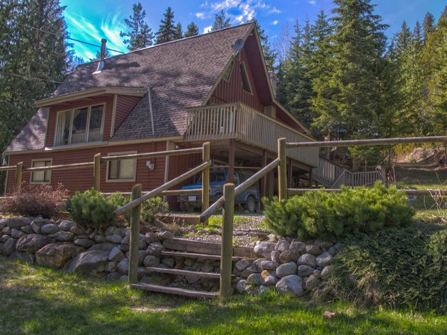 4 Days Sacred Wild Woman Yoga Retreat in British Columbia, Canada