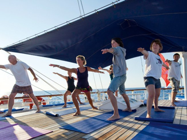 4 Days Cruising Yoga Retreat in Maldives