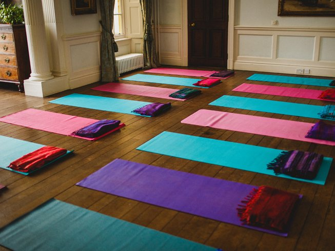 3 Tage Indischer Sommer Yoga Urlaub in Buckinghamshire, Großbritannien