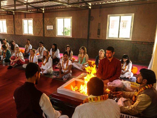 60 días profesorado de yoga de 500 horas en Rishikesh, India