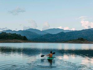 4 Days Ayurveda, Temple Meditation, and Yoga Holiday in Kandy, Sri Lanka