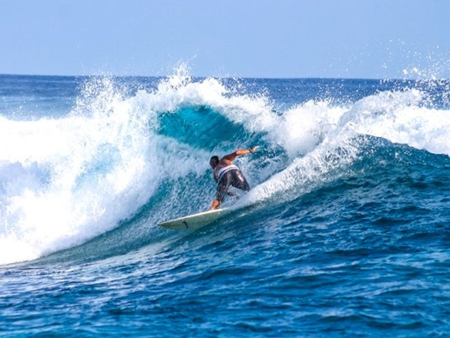 5 Days Luxury Maldives Surf Trip