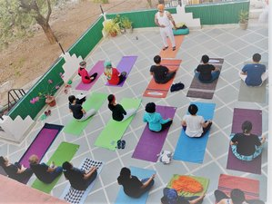 15 Days  Detox, Rejuvenating, Meditation & Yoga Retreat in Rishikesh, India