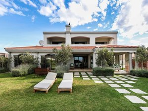 Surfers' Friendly Bed and Breakfast in Jeffrey's Bay, South Africa