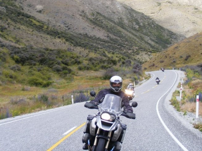 13 Days BMW New Zealand Motorcycle Tour