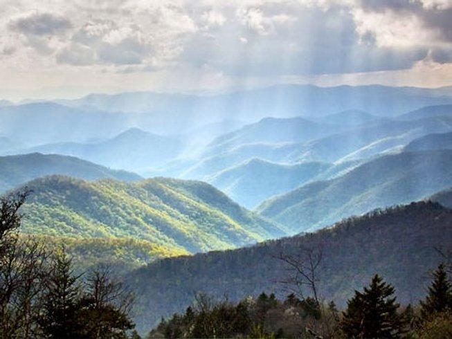8 Days Hiking Adventure and Yoga Retreat in Romania