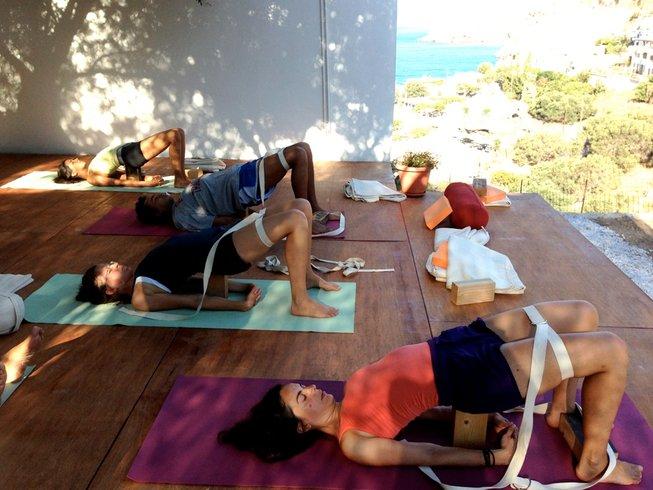 8 jours en retraite de yoga iyengar avec Anonella, Crète