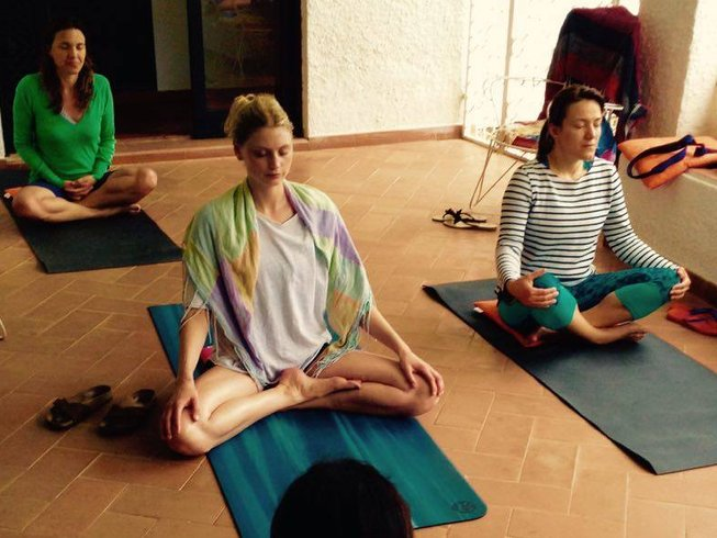 7 Days Guided Meditation and Yoga Retreat in Albufeira, Portugal