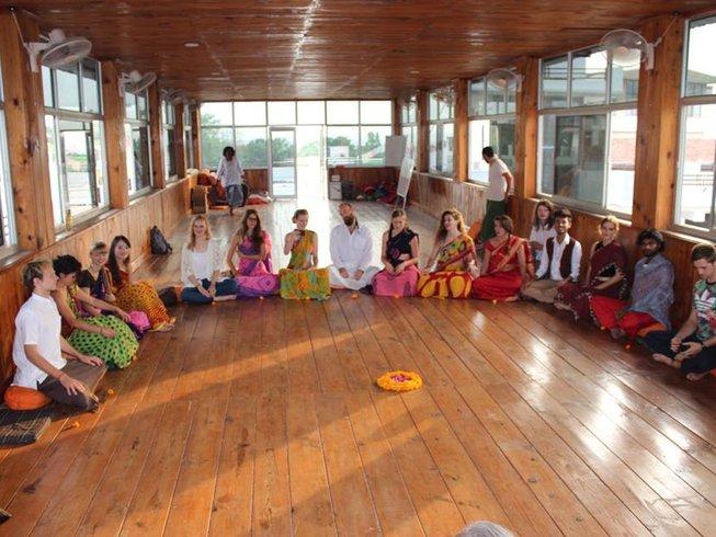 29-Daagse 300-urige Yoga Docentenopleiding in Rishikesh, India