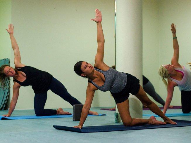 5 Days Surf and Yoga Retreat in Peniche, Portugal