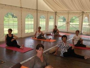2 jours en week-end de yoga et méditation dans un château en Pays de Loire, France