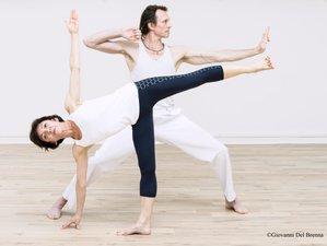 Retraite de yoga dynamique pour se sentir dans l'esprit du printemps à Amorgos, Grèce