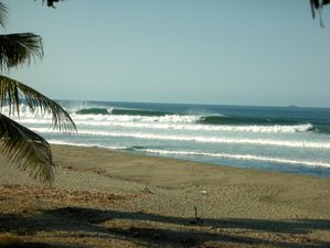 4 Days Personalized Surfing Holiday in Michoacan, Mexico