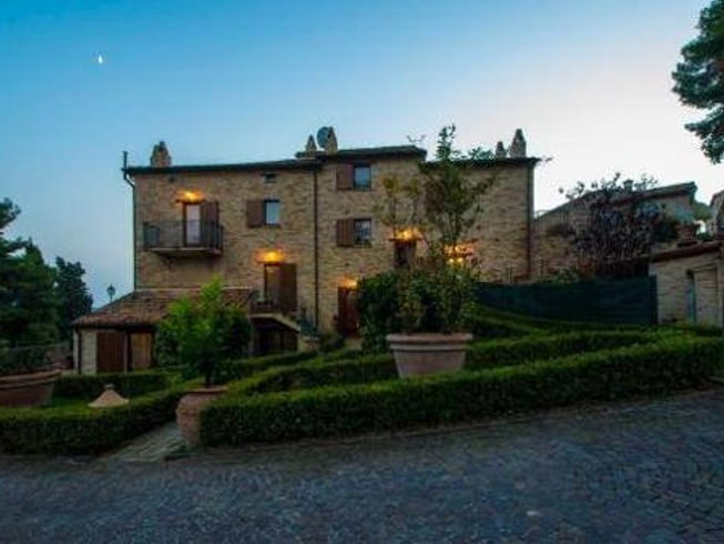 8 Days Cooking Holiday & Yoga Retreat in Central Italy