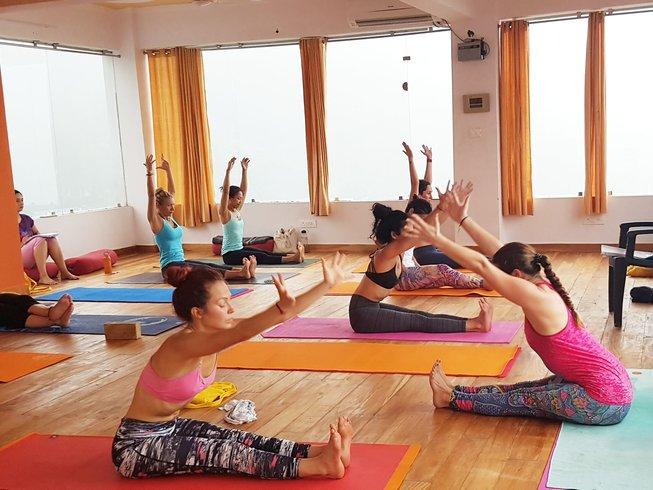 58-Daagse 500-urige Yoga Docentenopleiding in Rishikesh, India