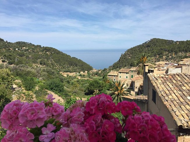 4 Days Cooking, Massage, Paddle and Yoga Retreat in Spain