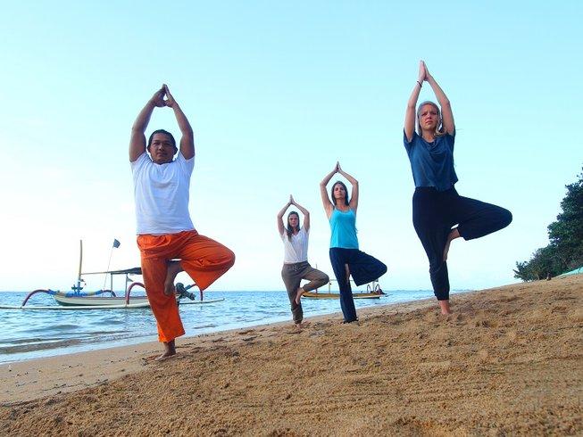 4 Days Surf and Yoga Retreat in Seminyak, Bali