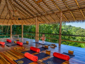 6 Day She Thrives Women Self-Empowerment Wellness Retreat in Uvita