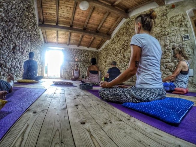4 Days Authentic Farm Experience Yoga Holiday in Pescosolido, Italy