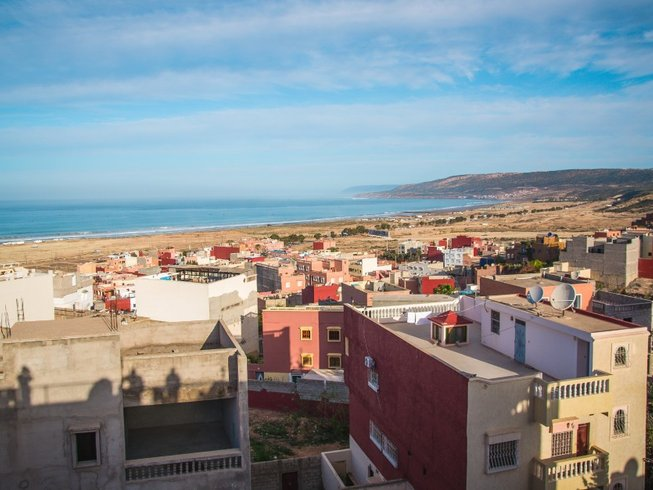 6 jours passionnants en stage de yoga et surf à Agadir, Maroc