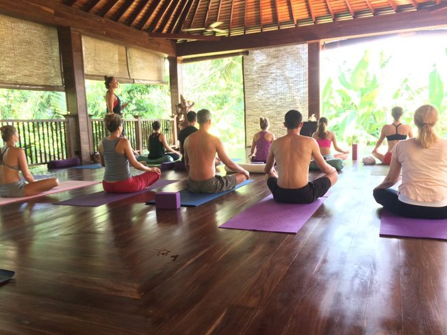 22 días profesorado de yoga Vinyasa intensivo de 200 horas en Unawatuna, Sri Lanka