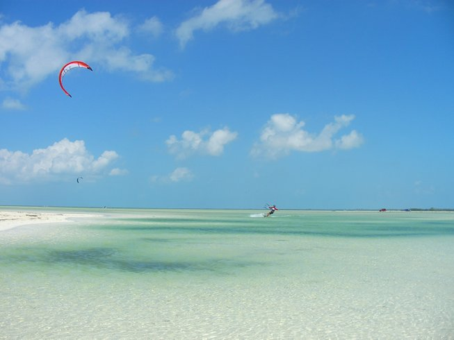 5 Days Kitesurfing Surf Camp in Cancun, Mexico