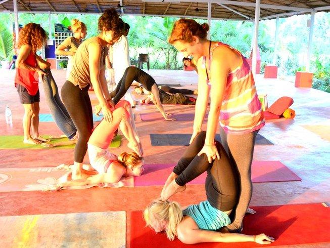 21-Daagse 200-urige Yoga Docentenopleiding in Mallorca, Spanje