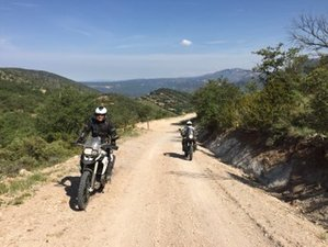 6 Day Guided Off-Road and Trail Riding Aragon Loop Motorcycle Tour in Saragosse, Spain