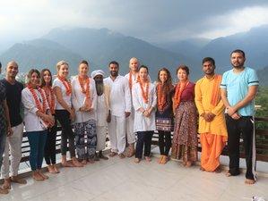 200 Hour Yoga Teacher Training in Rishikesh, India (27 Days)