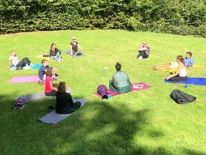 3 jours en week-end de silence avec méditation et yoga au château du Denacre, Pas-de-Calais