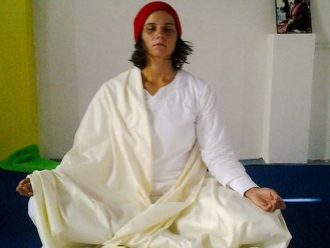 30 días profesorado de yoga Ashtanga Tristhana y Hatha de 200 horas en Rishikesh, India