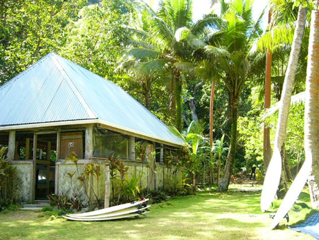 7 Days Fiji Surf Camp and Boat Trip