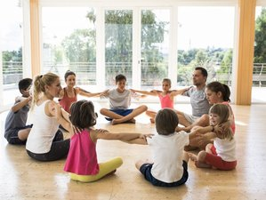 Profesorado de yoga para niños en línea con Yoga Alliance International