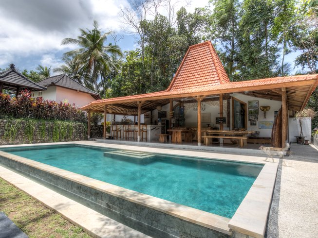 30 Days Get It All Pack Surf and Yoga Retreat in Bali, Indonesia
