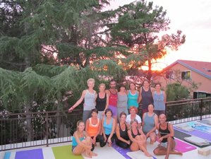 21 Days Iyengar Yoga Beach Holiyday with Certified Teachers in Top Resort, Gokarna, India