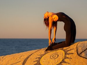 2 Day Yoga Detox, Only you! Available Week Day: Clean your Body, Strength your Mind, Sant Pol de Mar
