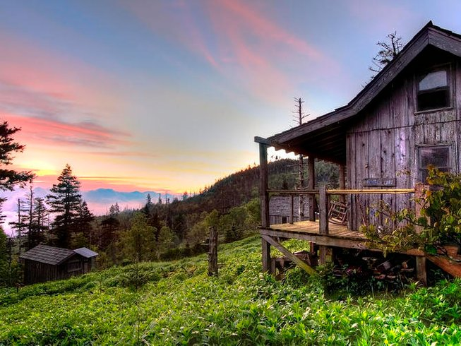 4 Days Mount Leconte Hiking and Yoga Retreat