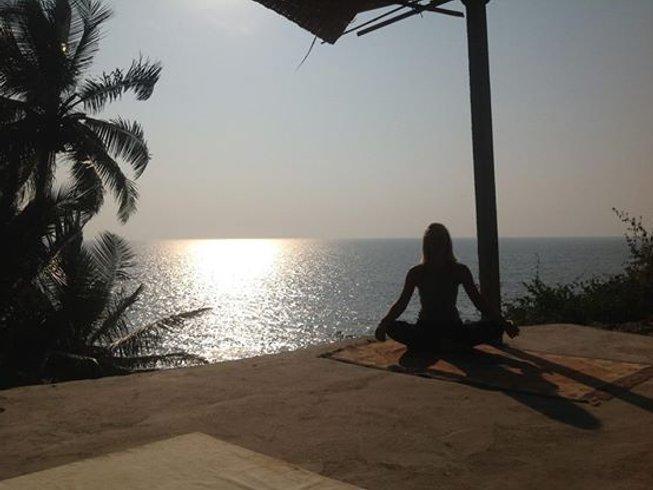 7 Days Meditation and Yoga Retreat at Cola Beach, Goa