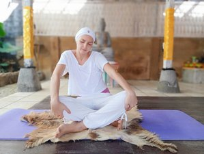 6 Weeks Online Course Yoga for Beginners: How to Start and Make it Your Every Day Routine