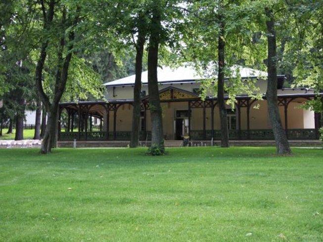 8 Days Ayurveda Back Pain and Yoga Retreat in Počátky, Czech Republic