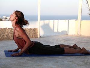 4 Days Long Weekend Yoga Retreat in Santorini, Greece