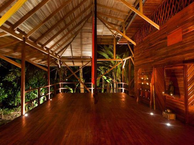 5 Days Detox, Surf, and Yoga Retreat in Costa Rica