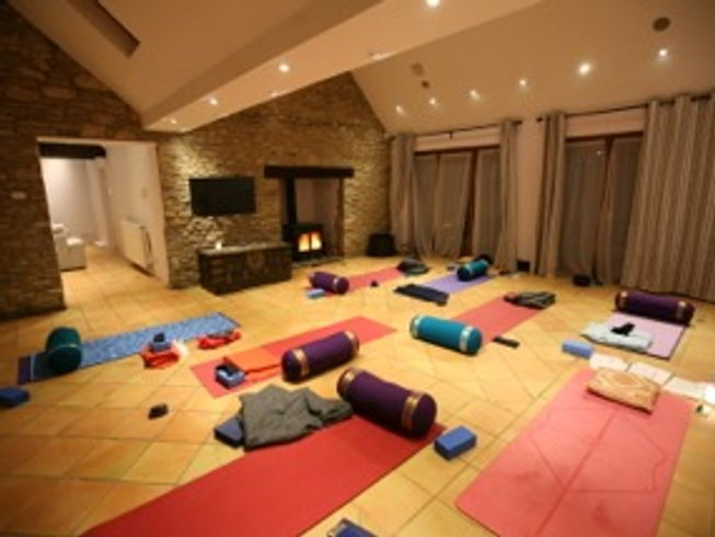 3 Days Spring Fitness and Yoga Retreat in Oxfordshire, UK