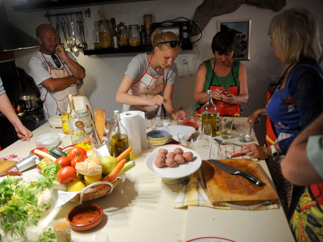 4 Days Wine Tasting & Cooking Holiday in Spain