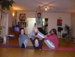 20 Day 200-Hour Yoga Therapy Teacher Training in Maxiais