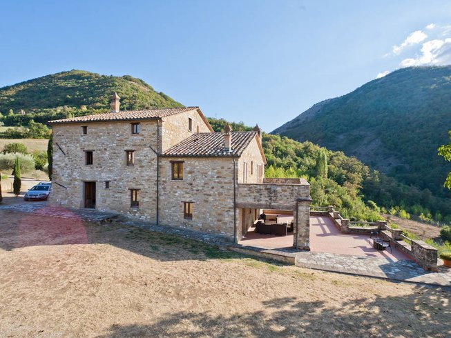 5 Days Cooking Wine Tasting & Yoga Holiday in Italy