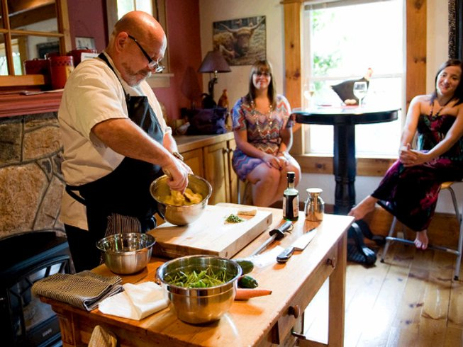 3 Days Niagara Wine Tour & Culinary Weekend in Canada