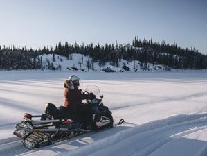 3 Day Guided Snowmobile Ice and Exploration Adventure in Yellowknife, Northwest Territories