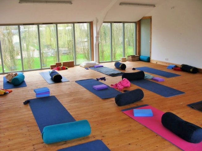 4 Days Yoga and Relaxation Weekend in England, UK