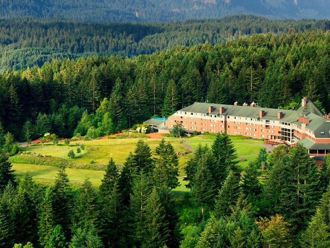 6 Days Columbia River Gorge Yoga Retreat in Washington, USA